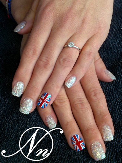 http://www.nails-in-preston.co.uk/testpics/nail-art-pic-10.jpg